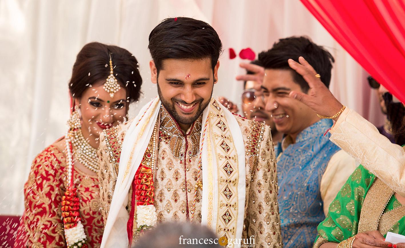 lancio petali matrimonio indiano in Toscana
