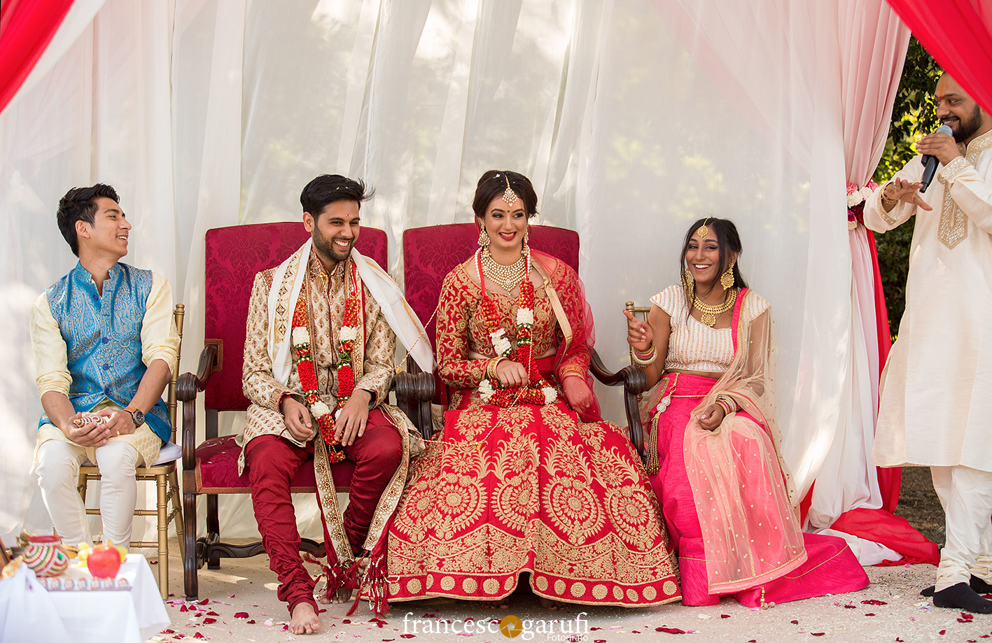 momento divertente di un matrimonio indiano