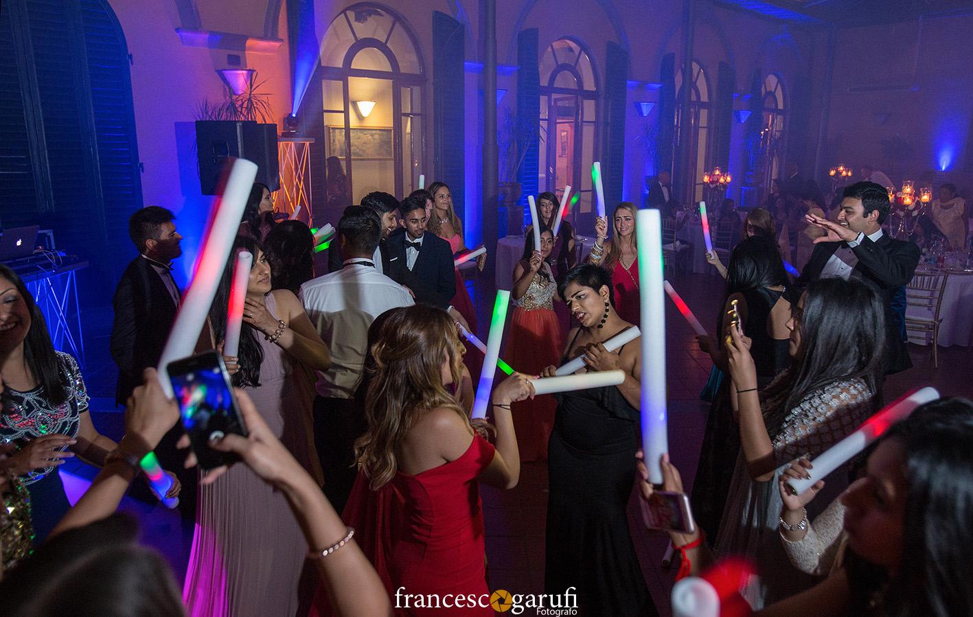 Balli dopo un matrimonio indiano in Italia